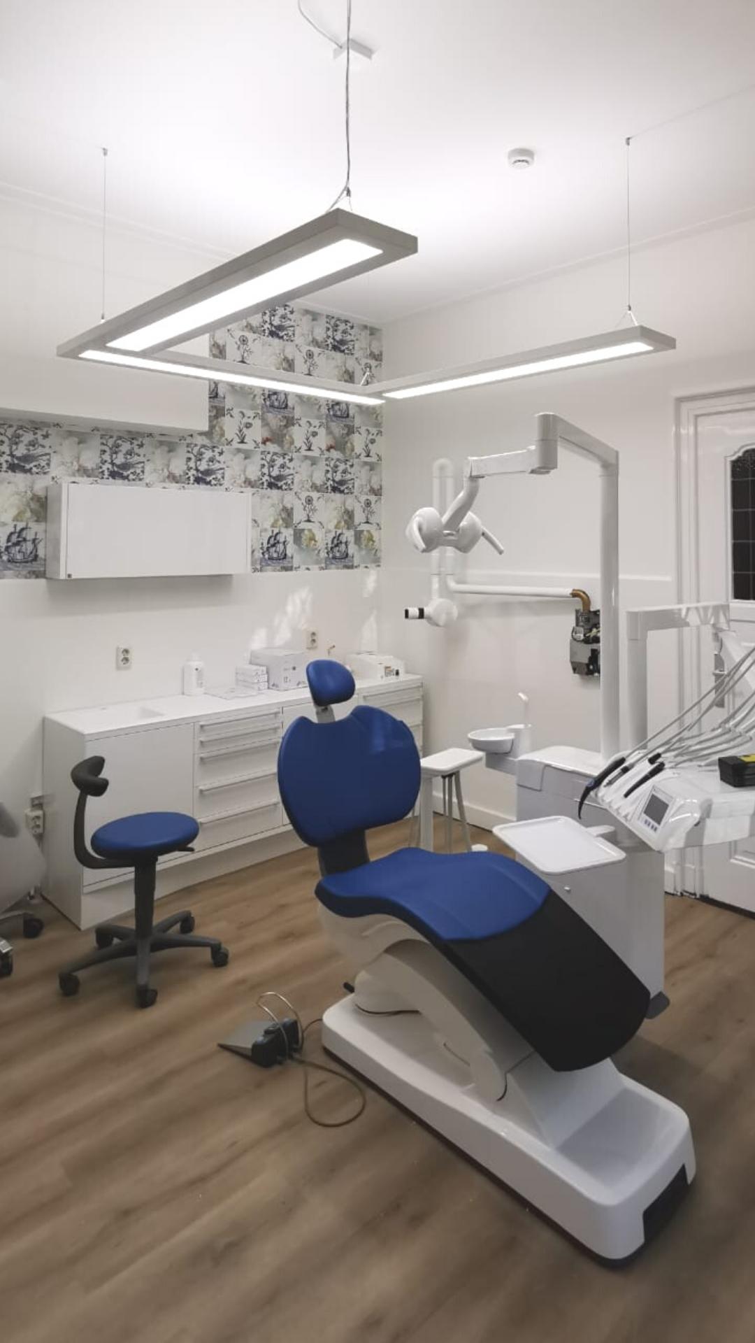 PVU U-Form Vollspektum-Tageslicht LED direkt / indirekt Dentled